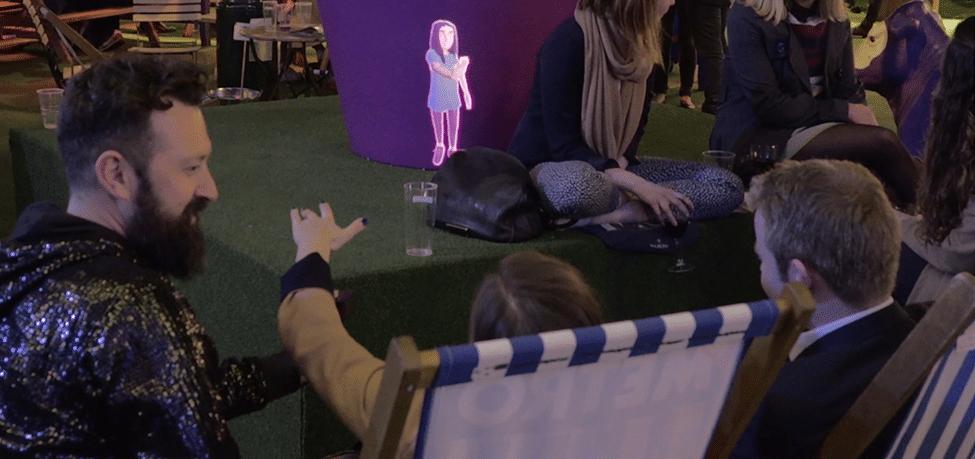Gestensteuerung unserer mobilen Projektion